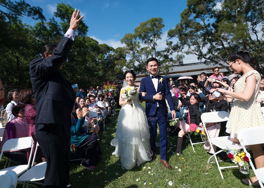 小型婚禮 , 微型婚禮 (Micro Wedding) 你還是可以完整的規劃整場婚禮、只是將賓客人數縮減至50位以下,規模縮小後你可以更客製化你的婚禮,貼近自己的想法,更溫馨也更難忘。