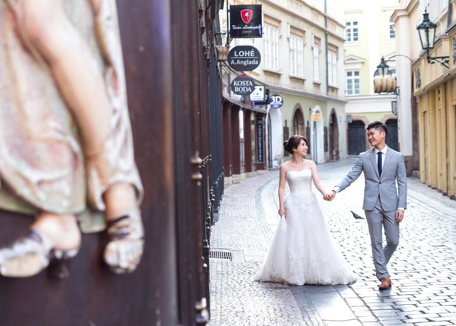 布拉格婚紗   Elaine & Chi, Prague, 天鵝湖, 查理大橋, 海外婚紗, Pre-wedding, 自助婚紗, 海外婚紗, 婚紗攝影, 手工婚紗 ,自助婚紗工作室, 婚紗攝影工作室 ,手工婚紗, 婚攝 roger wu studio